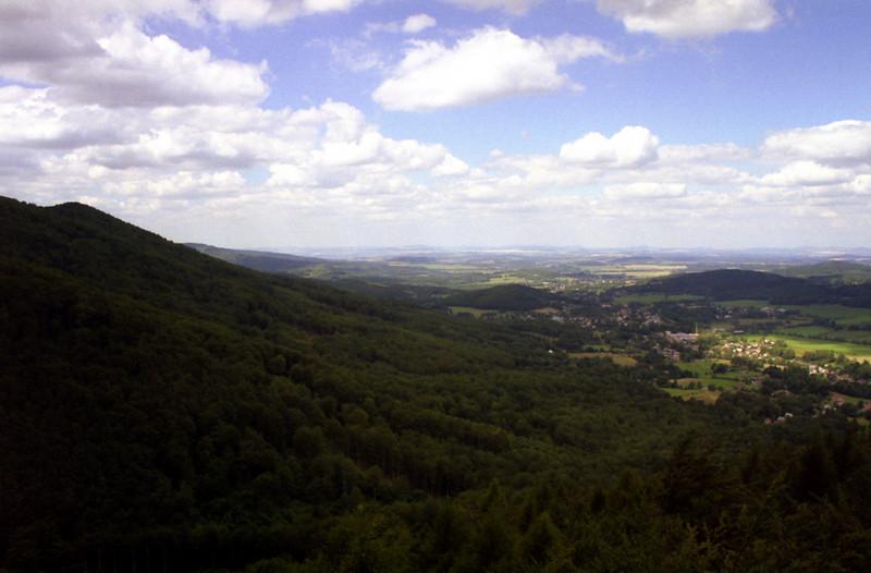 pohled z Frýdlantského cimbuří směrem na Hejnici