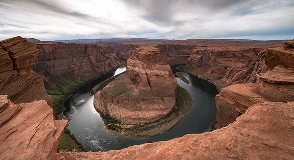 Horseshoe Bend, Flying Birds and the Colorado River