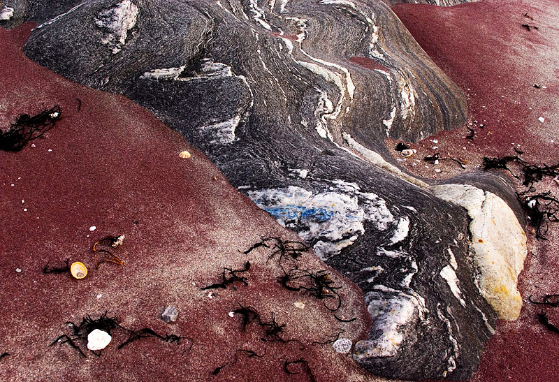 Rock and red sand - I