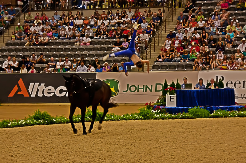 Megan Benjamin - Vaulting - World Equestrian Games 2010 - Dismount