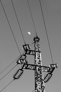 Moon Lines / Lunar Power — Holdvonalak / Holdenergia