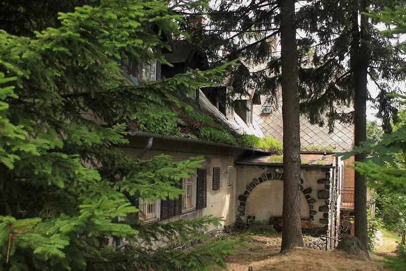 The Old Hikers' Refuge of Galyatető — A régi Vasas-menedékház