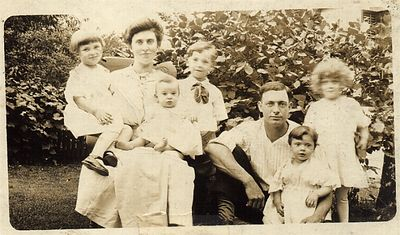1917 Josephine and Arthur Chenevey Family Portrait: Marge, Grandma, Eileen, Ray, Grandpa, Gert & Odile