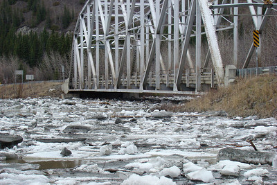 5/6/2008 - The normal water level is some 6 feet below the bridge beams, but here the ice is within 18 inches of the bottom.