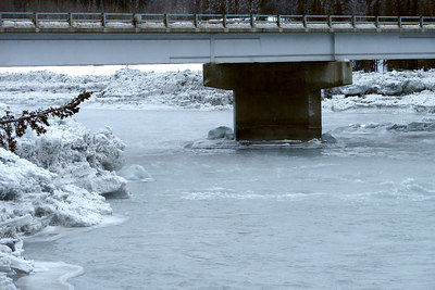 2/5/07 - Looking upstream under the highway bridge, the height of the piles of ice can be better judged.