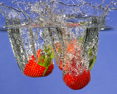 Splashing strawberries