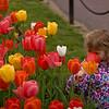 Girl an Tulips