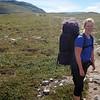 Silje tar seg tid til å bli avfotografert på denne stien, siden de som gikk foran oss også gjorde det.. ;)
