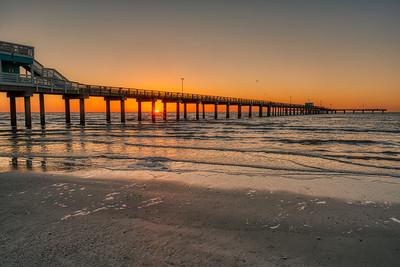 20190213_Galveston_95thSt_Pier_Sunrise_750_0062