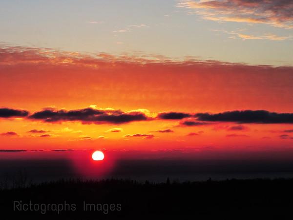#WowNow Sun Setting,