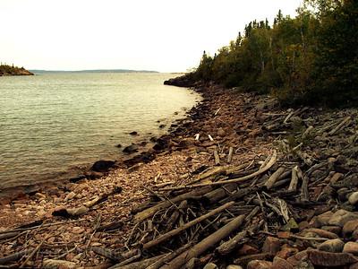 Lake Superior, Shore