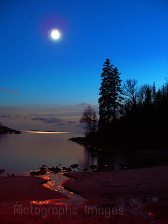 Danny's Cove, Caeques Isles Hiking Trail, Lake Superior.  The Moon Over Lake Superior. Waters and Waves Sculpting the North Shore of Lake Superior
