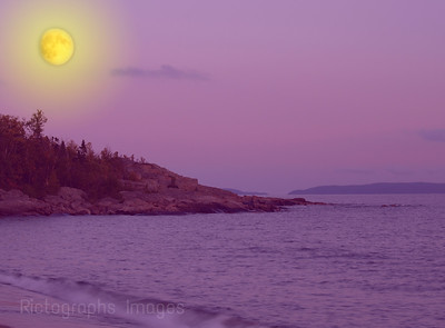 Lake Superior and the Yellow Moon  Waters and Waves Sculpting the North Shore of Lake Superior
