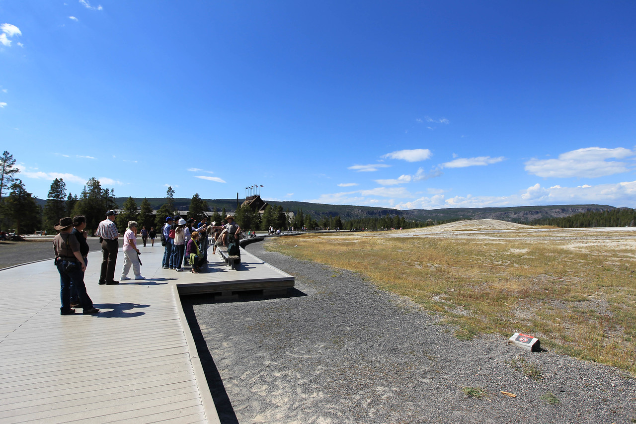 Crowd starting to gather near Old Faithful