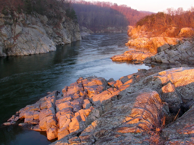 Potomac River view during sunrise from high point of Billy Goat Trail