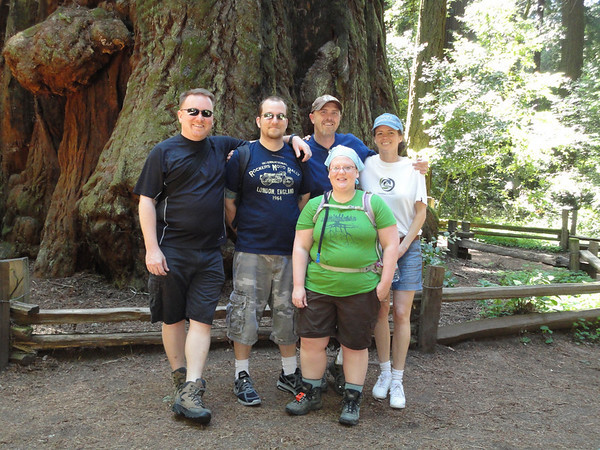 Kelly, David, Jeremy, Christine, and Christy in front of giant redwood