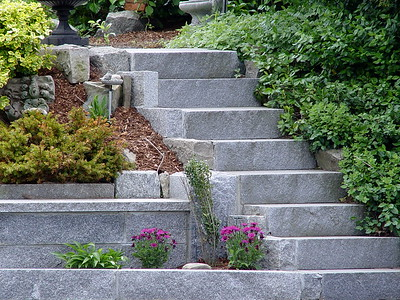 Beautiful Garden/Granite Steps