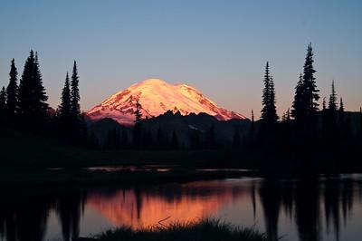 Mount Rainier at sunrise at Upper Tipsoo Lake