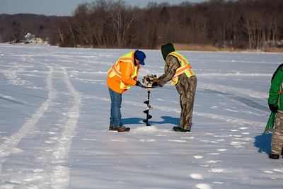 Icefishing2009-2