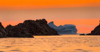 Juxtaposition_Iceberg & Land