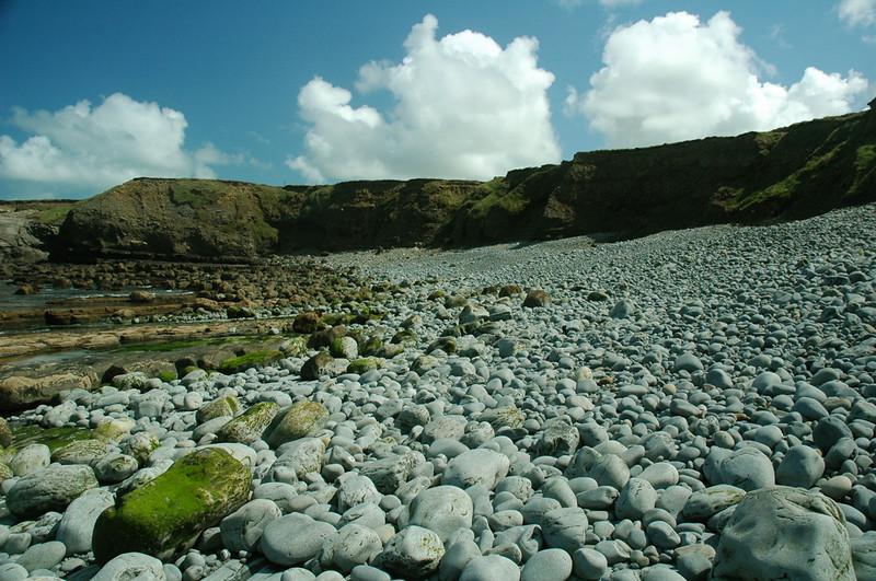 Pebbly beach near Bridges of Ross