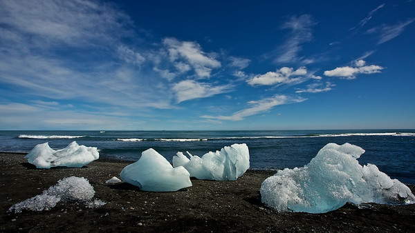 Eisberge am Jökulsárlón Strand - Island  Icebergs at Jökulsárlón Beach - Iceland  - mehr dazu im Blog: Jökulsárlón