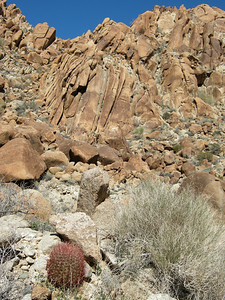 At some points, the canyon walls were quite steep and quite scenic.