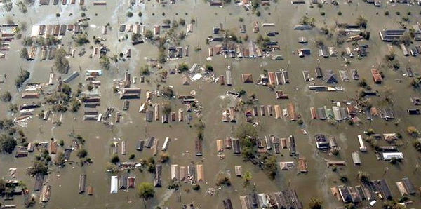 Pictures of Hurricane KATRINA July 2005.