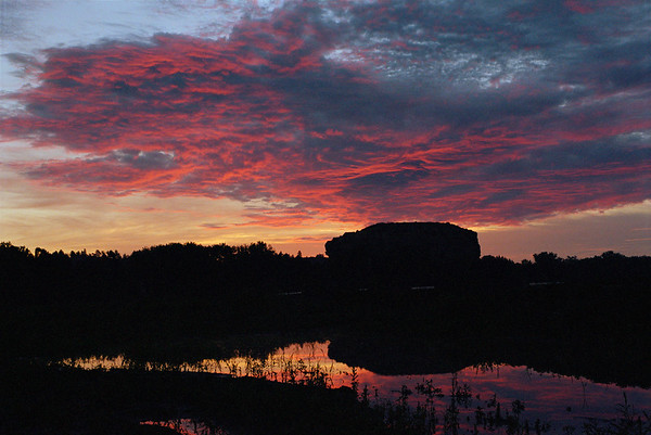 #97 Pompeys Pillar Sunrise