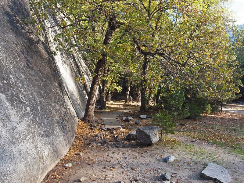 Trail to Yosemite Falls - 22 Oct 2010