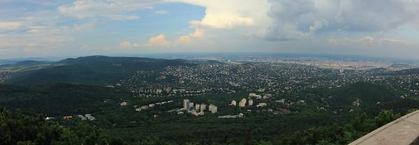 Budapest Panoramic View from Elisabeth Lookout of János-hegy — Budapesti látkép a János-hegyi Erzsébet-kilátóról