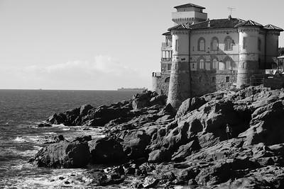 The Tirrenean Sea by Castello Boccale (near Livorno) — A Tirrén-tenger Castello Boccale mellett (Livorno közelében)