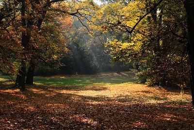 October — Október