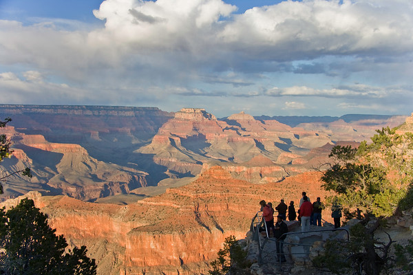 Tourist overlook, Grand Canyon, South Rim.