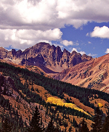 Autumn color view from Taylor Pass, near Independence Pass outside Aspen, Colorado.
