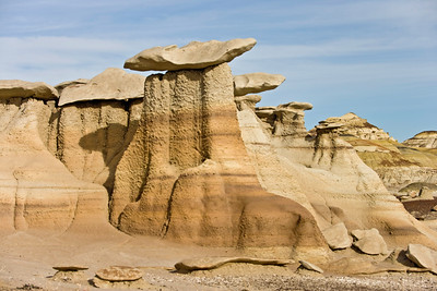 Eroded rocks sitting on pedestals,  Bisti de Nat Zin near Farmington, New Mexico.
