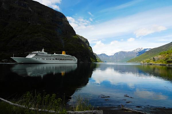 Cruise skip i Flom