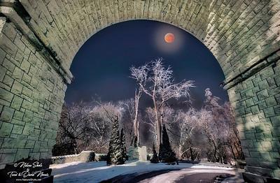 Snyder Arch Moon 2