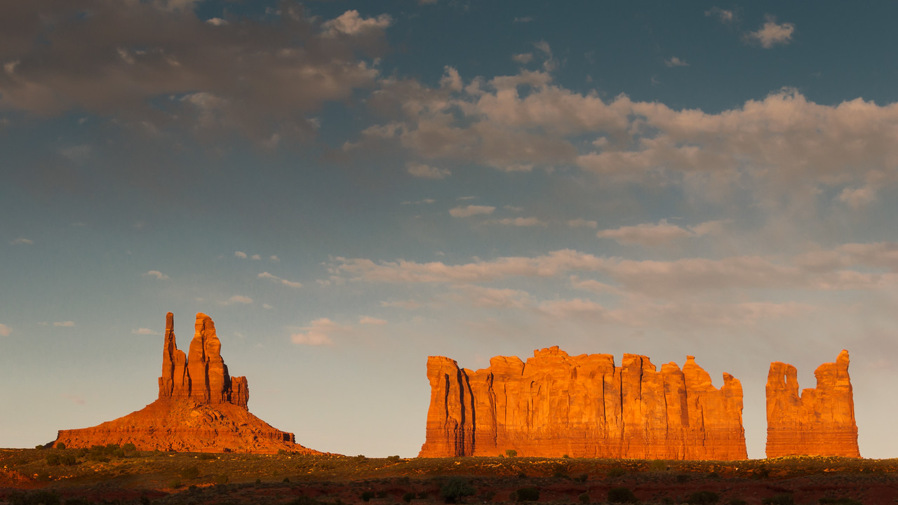 King on his throne, Stagecoach and the Bear and Rabbit  at sunset outside Monument Valley (updated)