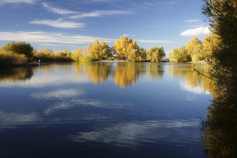 Bozeman Pond in autumn.  Bozeman, MT<br /> <br /> © Kirk Sagers