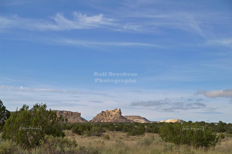 Enchanted Mesa, a sandstone butte in Cibola County not far from the Acoma Pueblo, New Mexico, USA