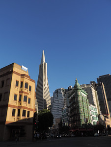San Francisco - Sentinel Building & Pyramid