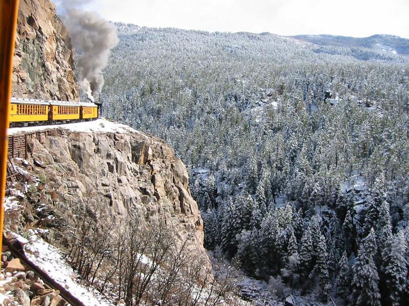 23-TrainMountain