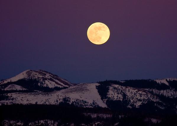 moonrise over Grouse Ridge