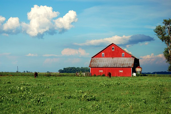 Red Barn & 3D Clouds!