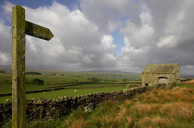 Barn and sign in Bowland