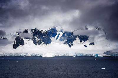Mountain Range Antarctica Copyright 2020 Steve Leimberg UnSeenImages Com _DSF6219