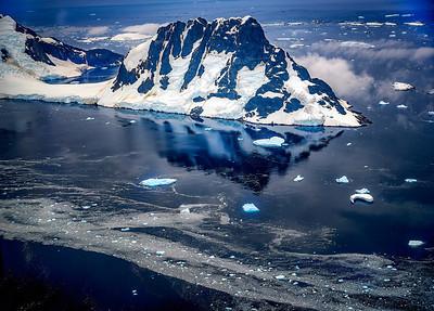 Dragon Mountain Antarctica Copyright 2020 Steve Leimberg UnSeenImages Com _DSF6351