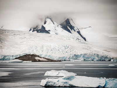 Antarctica Mountain - Copyright 2020 Steve Leimberg UnSeenImages Com_DSF5467