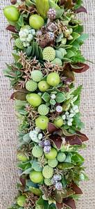 Hypericum, loke lau, ʻōhiʻa. cyperus, painiu, dendrobium